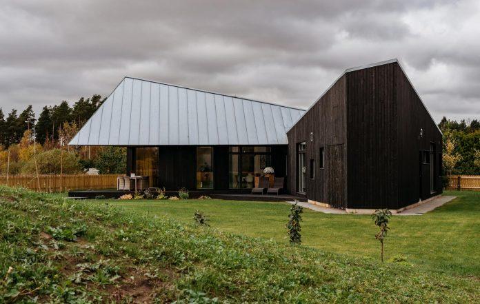 one-storey-home-inspired-plot-movement-sunlight-13