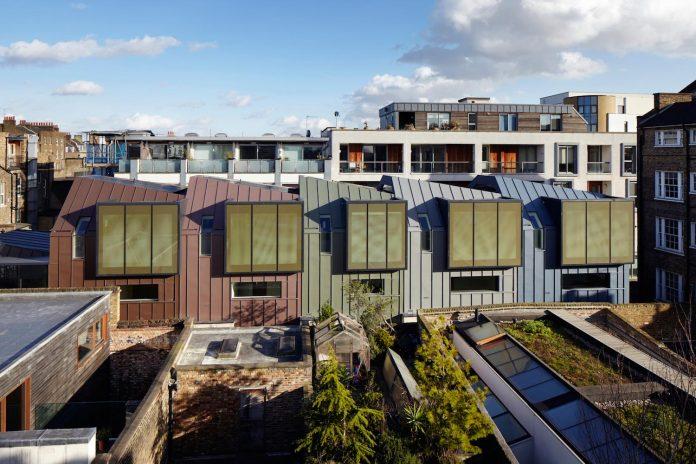 re-imagine-georgian-house-lightwell-front-internal-stair-one-side-06