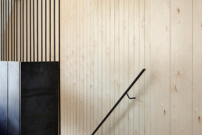 re-imagine-georgian-house-lightwell-front-internal-stair-one-side-12