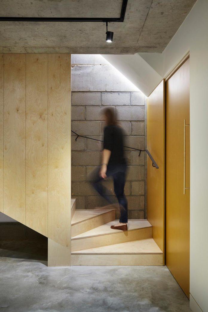 re-imagine-georgian-house-lightwell-front-internal-stair-one-side-18