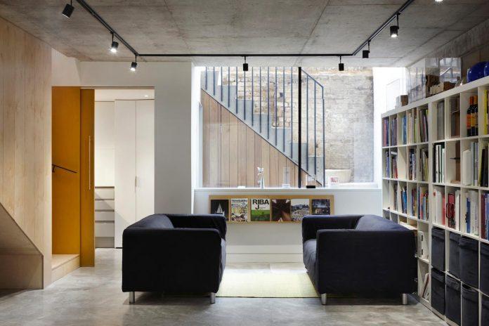 re-imagine-georgian-house-lightwell-front-internal-stair-one-side-19