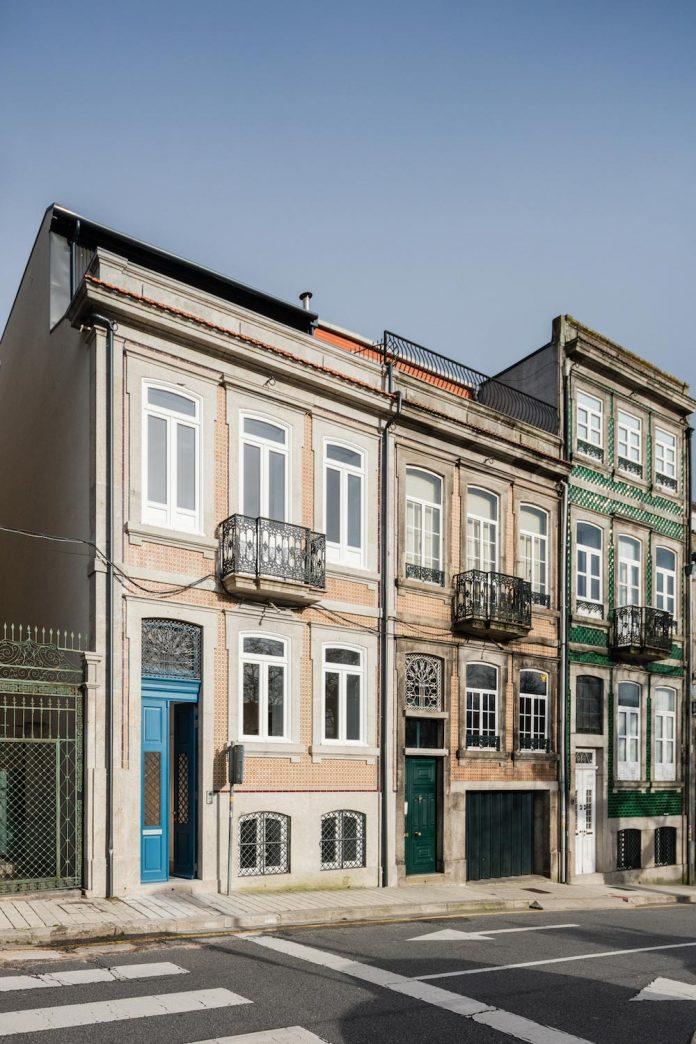 refurbish-abandoned-xix-century-bourgeois-house-convert-set-5-apartments-01
