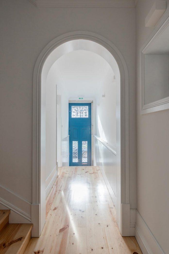 refurbish-abandoned-xix-century-bourgeois-house-convert-set-5-apartments-03