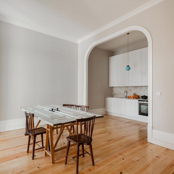 refurbish-abandoned-xix-century-bourgeois-house-convert-set-5-apartments-11
