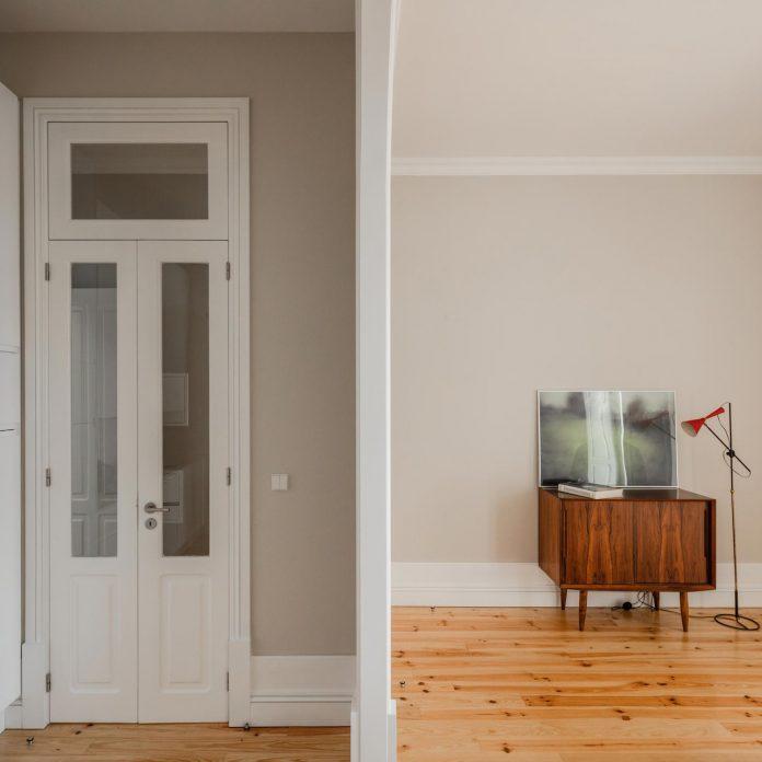refurbish-abandoned-xix-century-bourgeois-house-convert-set-5-apartments-12