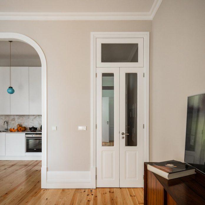 refurbish-abandoned-xix-century-bourgeois-house-convert-set-5-apartments-13