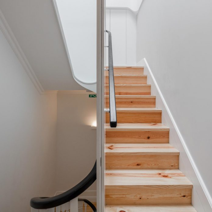 refurbish-abandoned-xix-century-bourgeois-house-convert-set-5-apartments-15