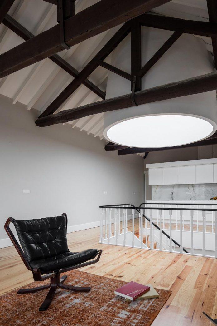 refurbish-abandoned-xix-century-bourgeois-house-convert-set-5-apartments-17