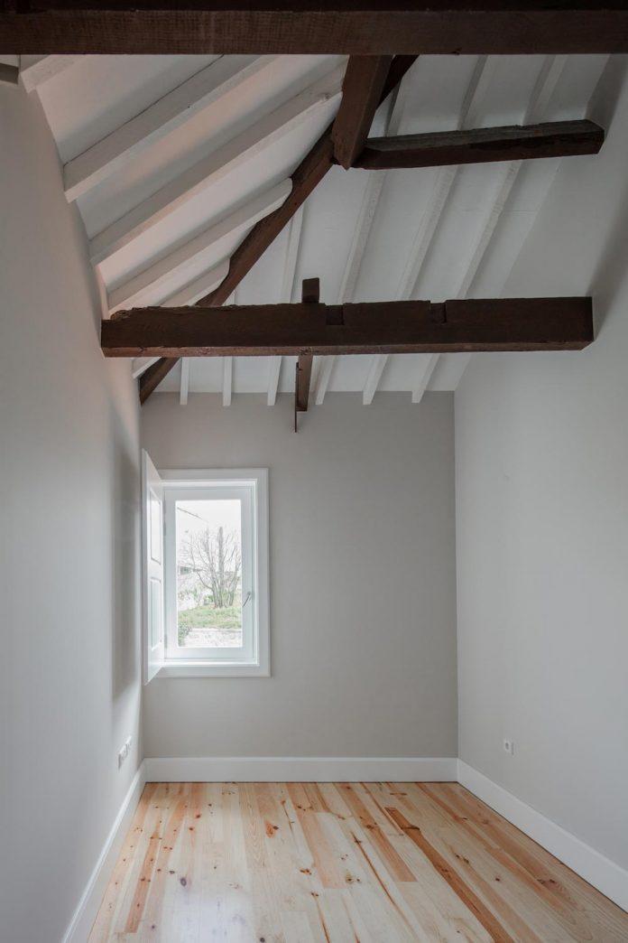 refurbish-abandoned-xix-century-bourgeois-house-convert-set-5-apartments-18