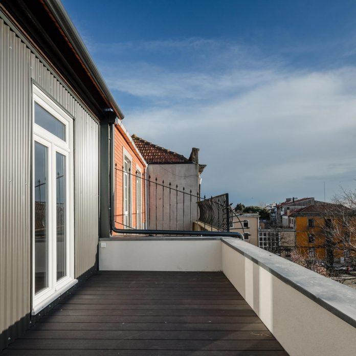 refurbish-abandoned-xix-century-bourgeois-house-convert-set-5-apartments-19