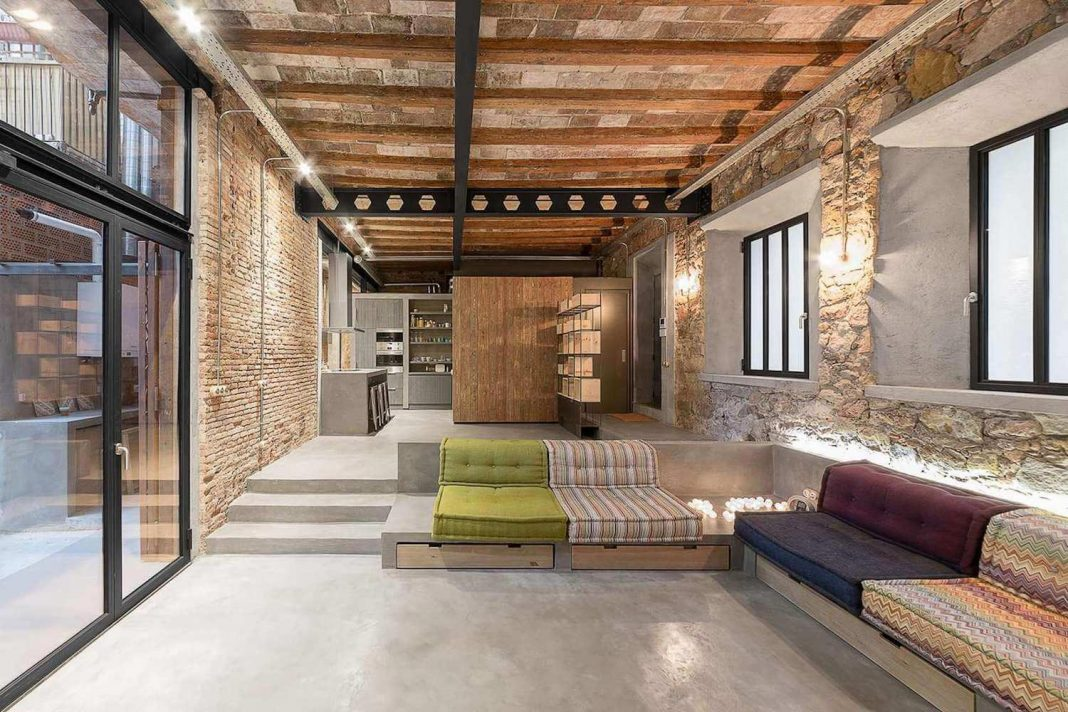 Loft MDP: Refurbishment Of An Old Carpenteru0027s Workshop Into Stylish Loft  With Brick And Stone