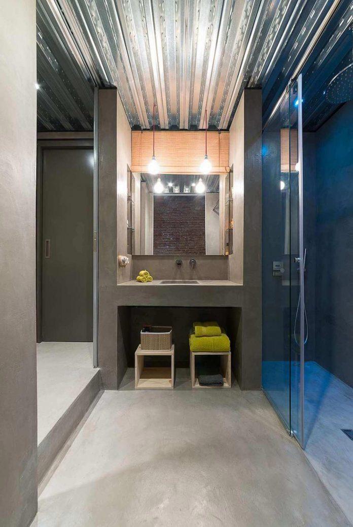 refurbishment-old-carpenters-workshop-stylish-loft-brick-stone-walls-20
