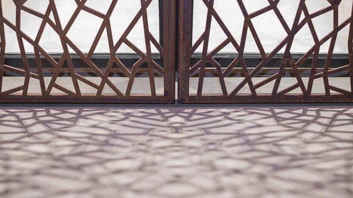 refurbishment-old-carpenters-workshop-stylish-loft-brick-stone-walls-22