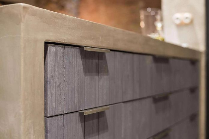 refurbishment-old-carpenters-workshop-stylish-loft-brick-stone-walls-24