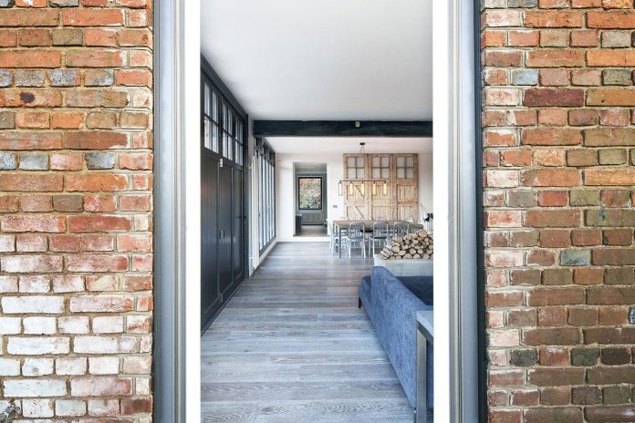 renovation-1970s-extension-contemporary-huge-open-living-space-04
