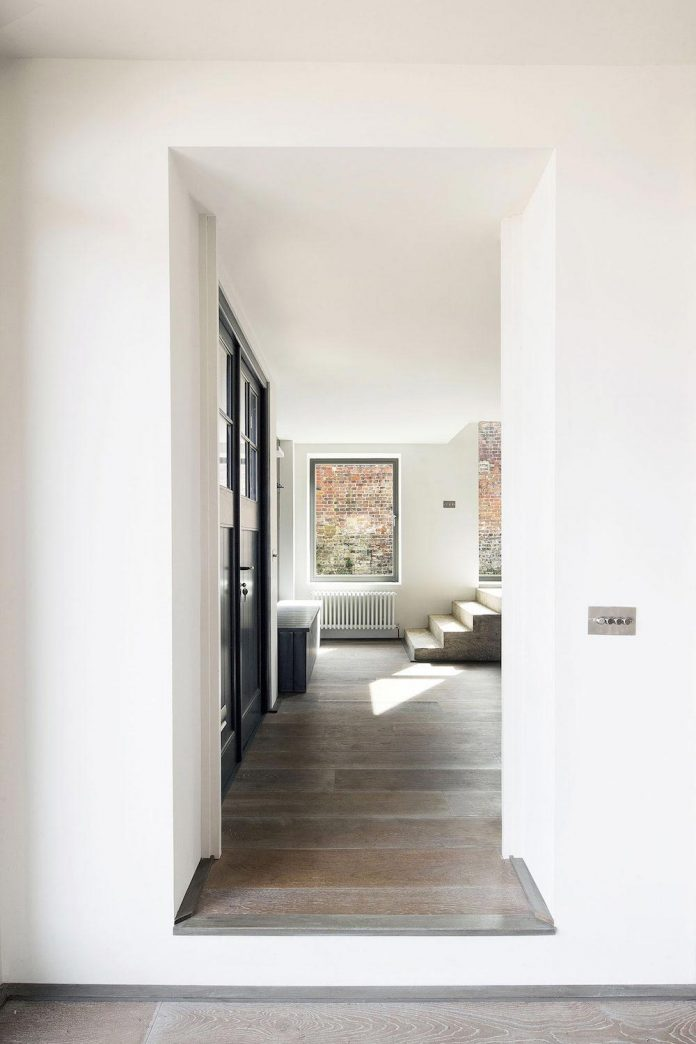 renovation-1970s-extension-contemporary-huge-open-living-space-12
