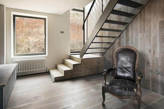 renovation-1970s-extension-contemporary-huge-open-living-space-13