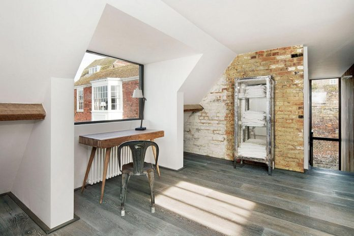 renovation-1970s-extension-contemporary-huge-open-living-space-22