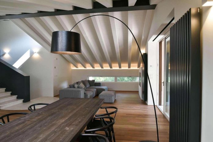 renovation-extension-old-attic-contemporary-spacious-home-01