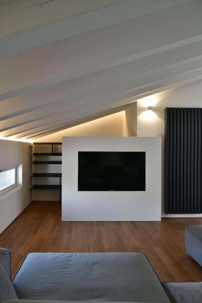renovation-extension-old-attic-contemporary-spacious-home-08