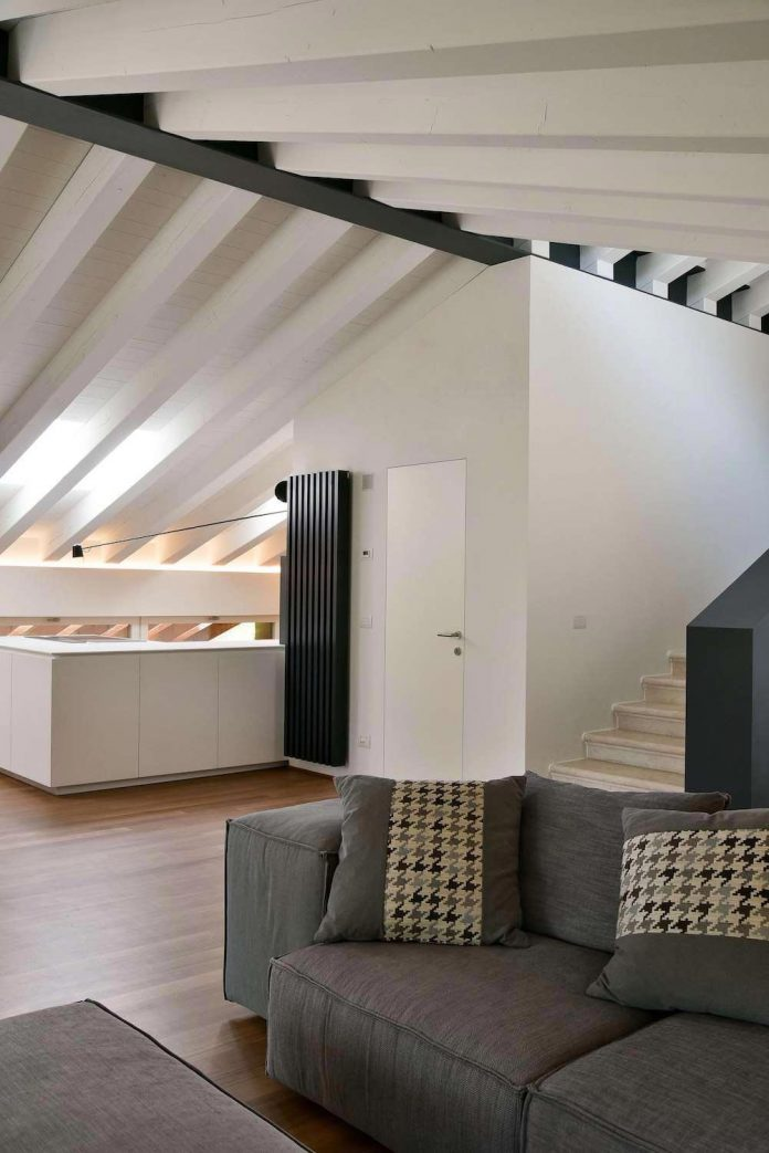 renovation-extension-old-attic-contemporary-spacious-home-09