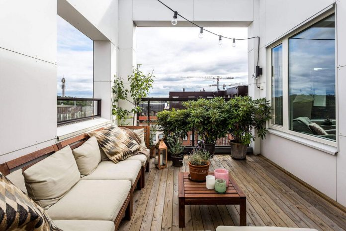 sehlstedtsgatan-7-stylish-penthouse-two-floors-stockholm-sweden-01