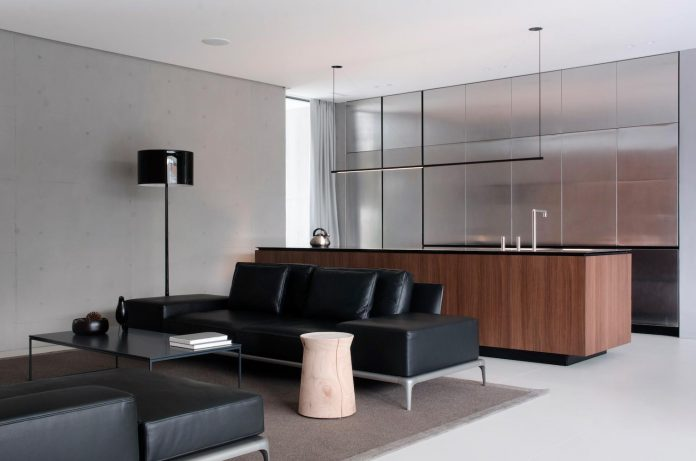 single-storey-pavilion-glass-concrete-wood-located-suburbs-chisinau-11