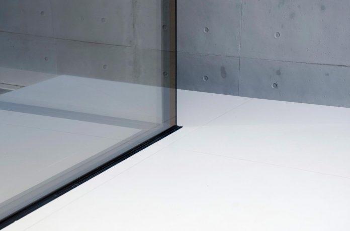 single-storey-pavilion-glass-concrete-wood-located-suburbs-chisinau-44