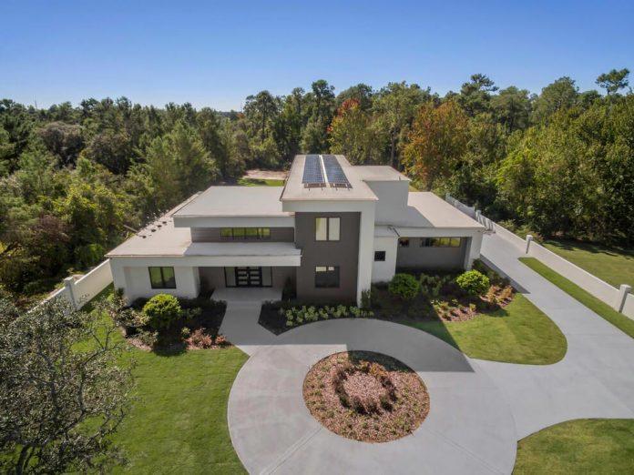 solar-chic-clean-modern-designed-residence-florida-01