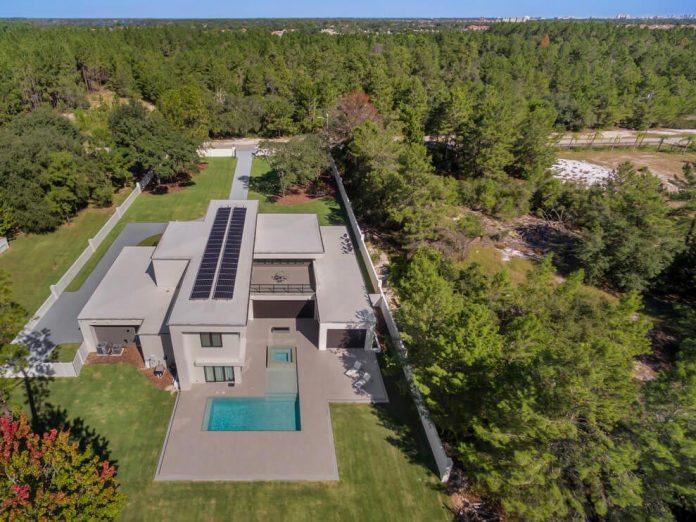 solar-chic-clean-modern-designed-residence-florida-02