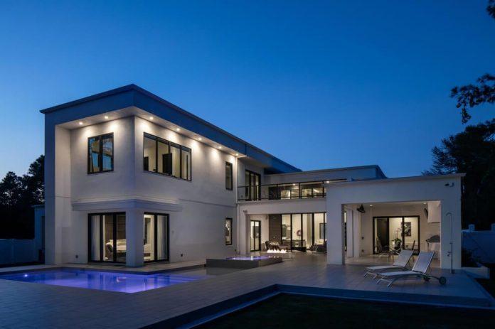 solar-chic-clean-modern-designed-residence-florida-05