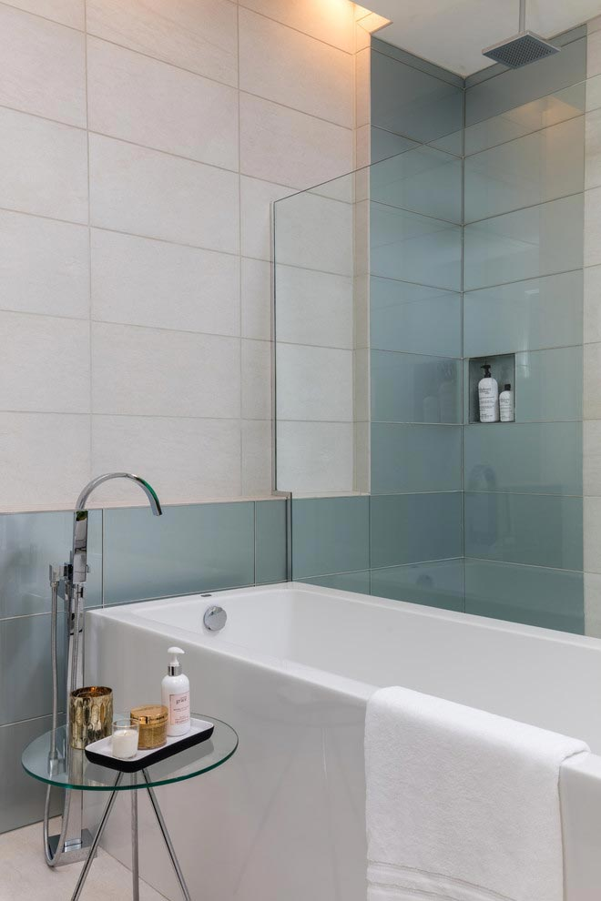 solar-chic-clean-modern-designed-residence-florida-16