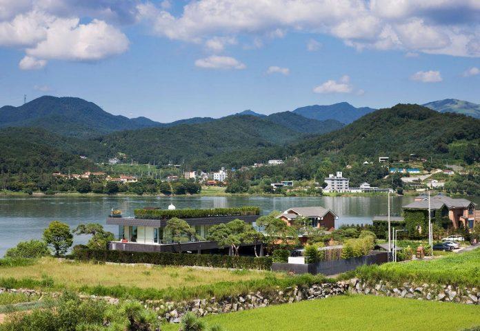 spacious-modern-residence-gyeonggi-south-korea-great-views-lake-02