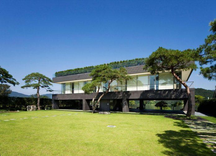 spacious-modern-residence-gyeonggi-south-korea-great-views-lake-04