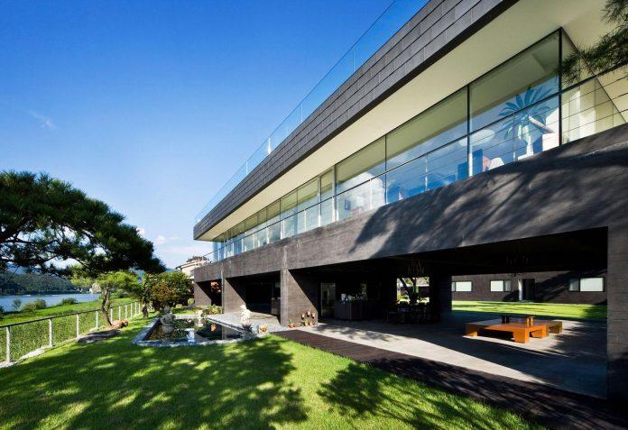 spacious-modern-residence-gyeonggi-south-korea-great-views-lake-06