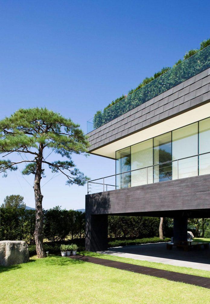 spacious-modern-residence-gyeonggi-south-korea-great-views-lake-08