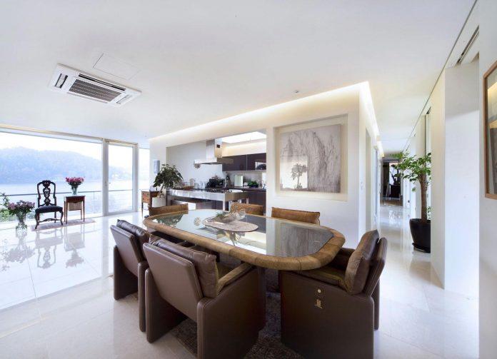 spacious-modern-residence-gyeonggi-south-korea-great-views-lake-17