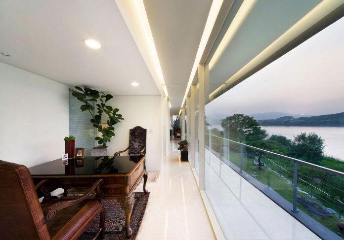 spacious-modern-residence-gyeonggi-south-korea-great-views-lake-24