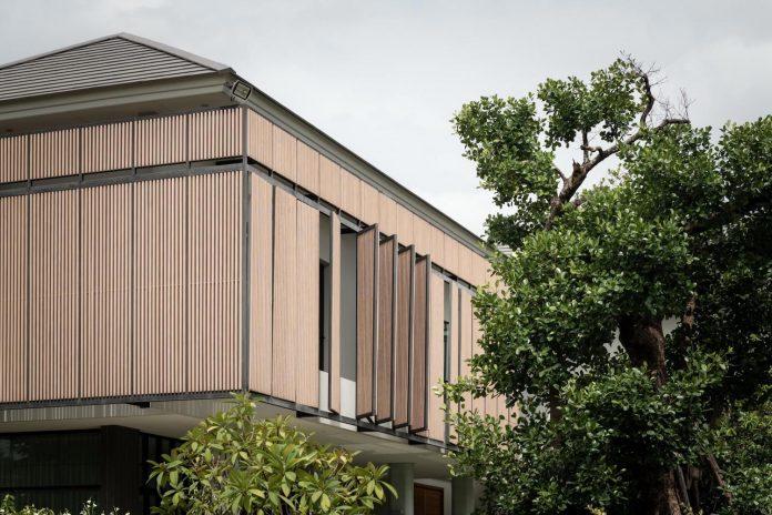 spacious-two-storey-modern-tiwanon-house-nonthaburi-thailand-05