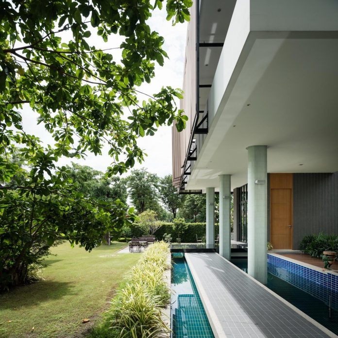 spacious-two-storey-modern-tiwanon-house-nonthaburi-thailand-08