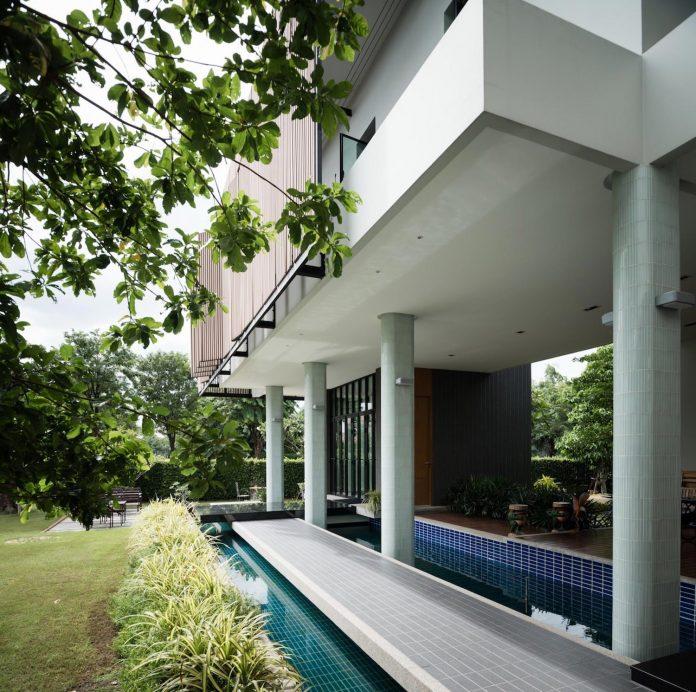 spacious-two-storey-modern-tiwanon-house-nonthaburi-thailand-09