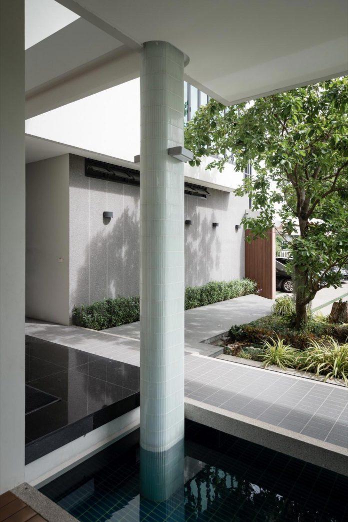 spacious-two-storey-modern-tiwanon-house-nonthaburi-thailand-10