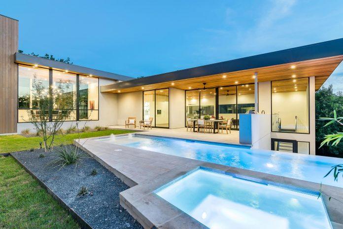 spacious-two-storey-modern-tiwanon-house-nonthaburi-thailand-18