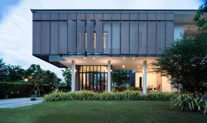 spacious-two-storey-modern-tiwanon-house-nonthaburi-thailand-28
