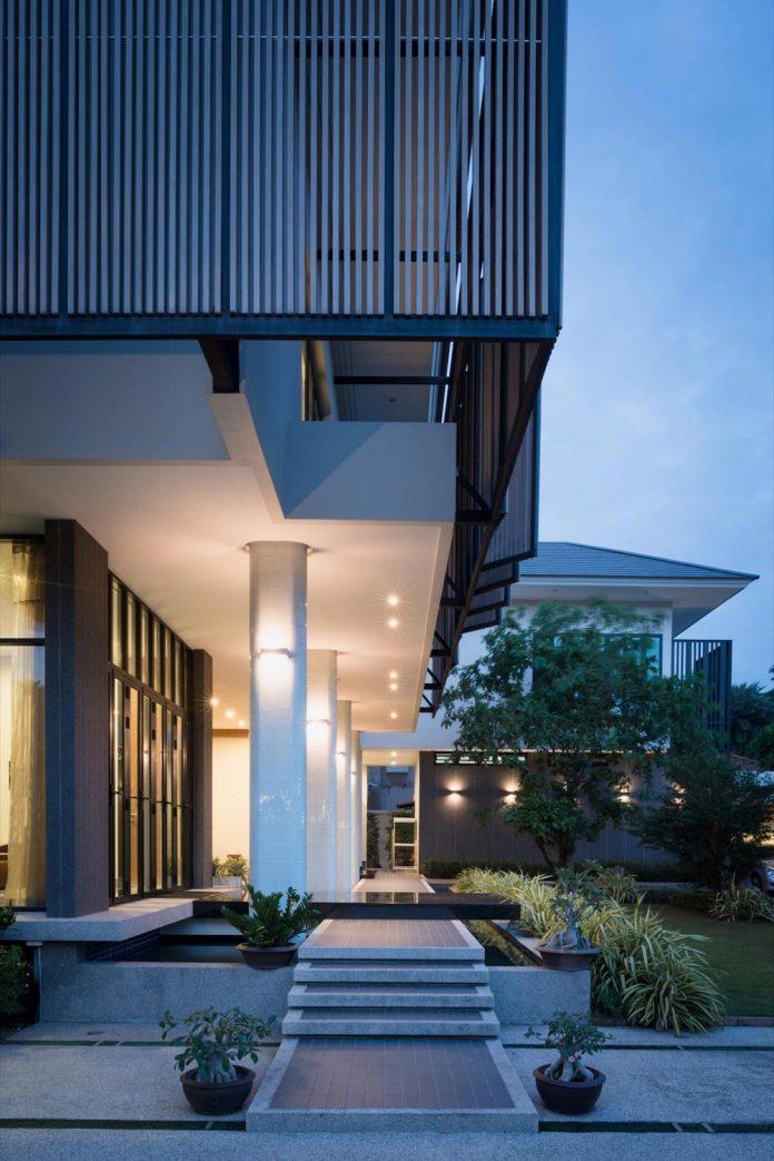spacious-two-storey-modern-tiwanon-house-nonthaburi-thailand-30