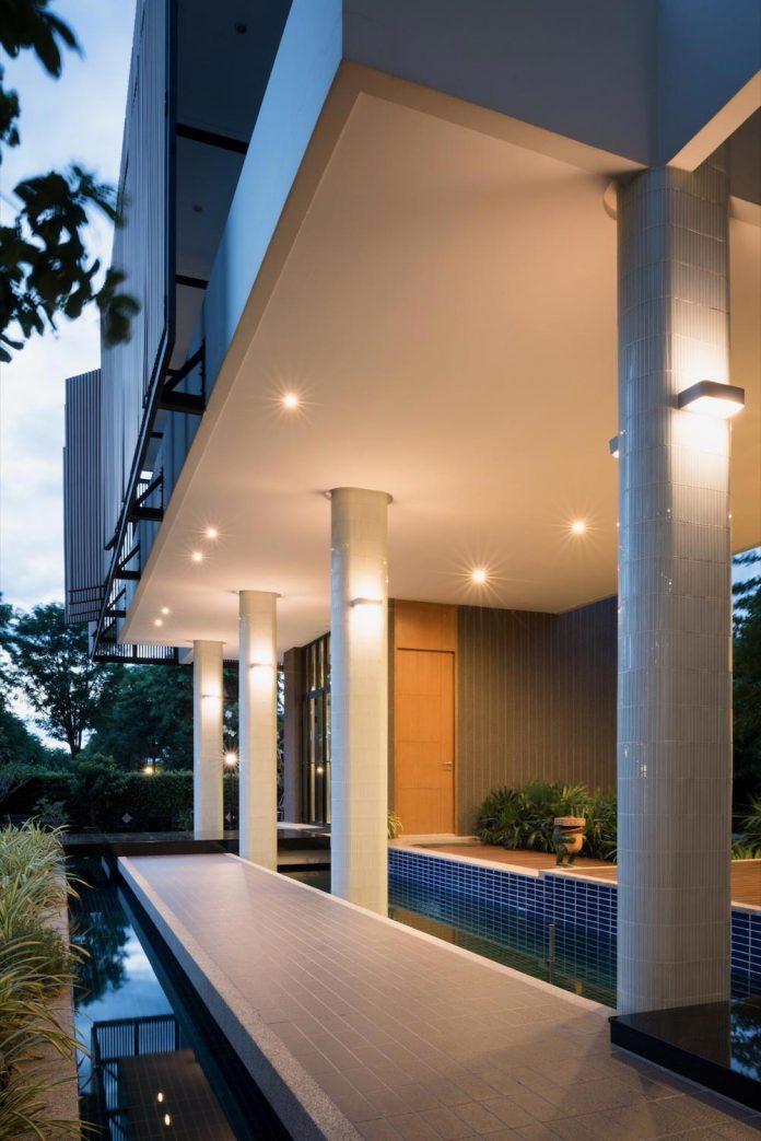 spacious-two-storey-modern-tiwanon-house-nonthaburi-thailand-33