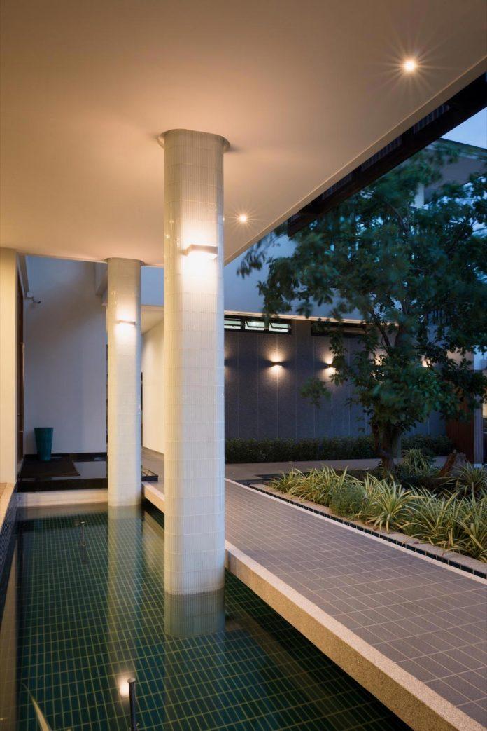 spacious-two-storey-modern-tiwanon-house-nonthaburi-thailand-34
