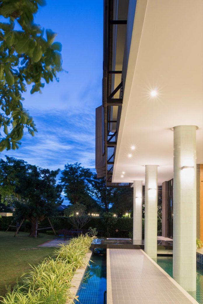 spacious-two-storey-modern-tiwanon-house-nonthaburi-thailand-35