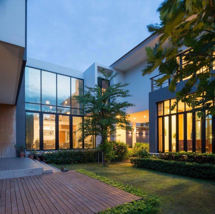 spacious-two-storey-modern-tiwanon-house-nonthaburi-thailand-36