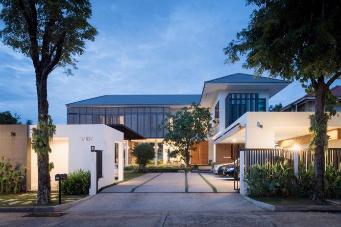 spacious-two-storey-modern-tiwanon-house-nonthaburi-thailand-37